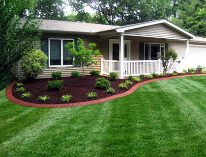 Quick landscaping and gardening tips when staging your home jack conway blog Landscape design ideas mobile home